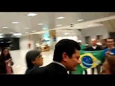 Urgente! Sérgio Moro é ovacionado por cidadãos no aeroporto ''Viva Sergi...