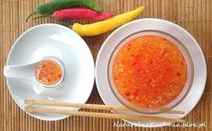 Jeden z najprostszych sosów chińskich, pikantny, o idealnie zrównoważonych smakach. Kwaśny ocet ryżowy doskonale równoważy słodki cukier trzcinowy, ostry imbir