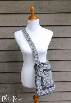Free Crochet Pattern...Cozy Messenger Bag! | Fiber Flux...Adventures in Stitching | Bloglovin'