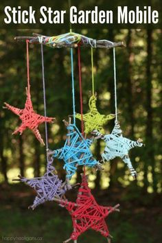 Stick-Star Garden Mobile - Fun & Easy Nature Craft for Kids With sticks fro. - Stick-Star Garden Mobile – Fun & Easy Nature Craft for Kids With sticks from the garden and - Kids Crafts, Summer Crafts, Craft Stick Crafts, Easy Crafts, Diy And Crafts, Arts And Crafts, Kids Nature Crafts, Wooden Crafts, Kids Diy