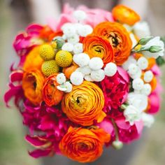 Wedding flower tips from a pro: How to choose your flowers, the latest trends in floral decor and how to find a good florist (photo Les Ami)