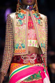 Manish Arora at Paris Fashion Week Spring 2016 - Livingly