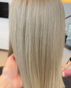 Healthy blonde by Andrevia - GETT'S Color Bar Salon Iulius Mall Cluj Appointments: 0264 555 777 #getts #gettssalons #healthyblonde #straightblonde