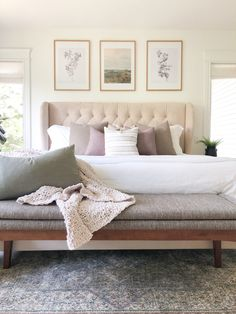 Small Primary bedroom design ideas | House.and.Roses Casual Mom Style, Grey Fabric, Home Decor Styles, Mid-century Modern, Sweet Home, Bench, Roses, Dining Table, Design Ideas
