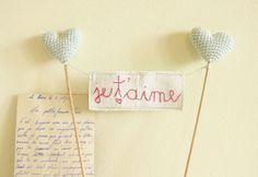 wedding-reception-idea-french-heart-cake-topper