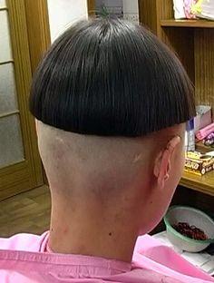 A big change from her formerly long flowing locks. Bowl Haircuts, Short Bob Haircuts, Shaved Nape, Shaved Sides, Page Haircut, Mushroom Haircut, Tomboy Haircut, High And Tight Haircut, Clipper Cut
