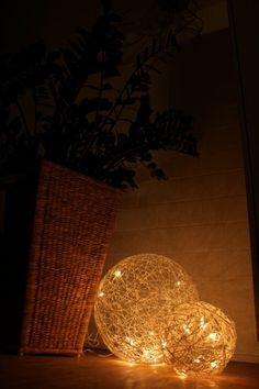 little LED's inside the ball look lovely. by Kuusumu - DECOmyplace Projects Paper Light, Yarn Ball, Ideas Para Fiestas, Ball Lights, Luz Led, Beautiful Lights, Hobbies And Crafts, Seasonal Decor, Paper Flowers