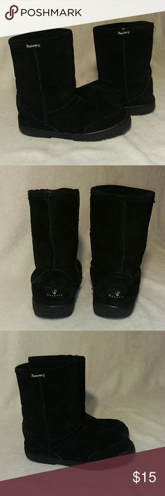 Bearpaw Winter Boots - Black Sheep skin boots - Double-gore out-sole - Good condition BearPaw Shoes Winter & Rain Boots