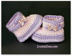 Fuzzy Booties Free Crochet Pattern ⋆ Crochet Kingdom