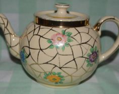 Teapot by Ellgreave potteries, Teapot