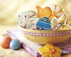 Such splendidly cute, cheerfully hued Easter cookies. #cookies #Easter #eggs #flowers #bunny #rabbit #baking #food #spring