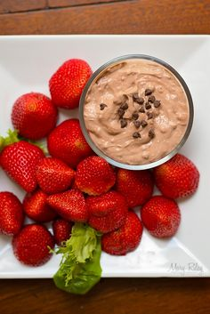 Chocolate Cream Cheese Dip - Great for parties or a snack! Healthy Greek Yogurt make the base for this dip. Cream Cheese Dips, Chocolate Cream Cheese, Mini Chocolate Chips, My Favorite Food, Favorite Recipes, Vegetarian Chocolate, Graham Crackers, Greek Yogurt, Healthy Snacks