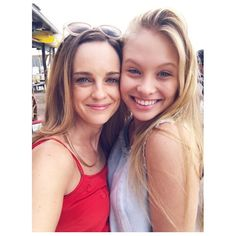 i love home and away Home And Away Actors, Home And Away Cast, Funny Dog Memes, Love Home, Favorite Tv Shows, New Homes, It Cast, Emma Stone, Pictures