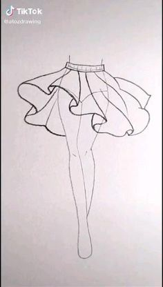 Fashion Design Sketchbook, Fashion Illustration Sketches, Fashion Design Drawings, Fashion Sketches, Art Sketchbook, Fashion Design Illustrations, Clothes Design Drawing, Sketchbook Inspiration, Art Drawings Sketches Simple