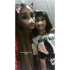 Ariana Grande with a fan #arianagrande #arianator #popmusic #loveariana