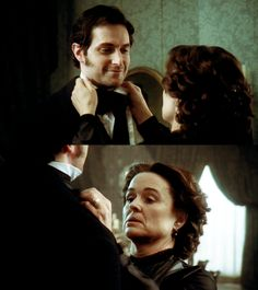 Richard Armitage (John Thornton) & Sinéad Cusack (Hannah Thornton) - North & South (TV, Mini-Series, BBC, 2004) #elizabethgaskell