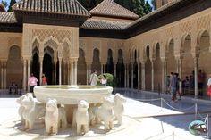 El Patio de los Leones Barcelona, Patio, Yoga, Benefits Of Exercise, Gorgeous Body, Lion, Paths, Tourism, Viajes