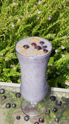 BLUEBERRY FRAPPUCCINO    7oz Almond Milk  2 scoops Vi-Shape shake mix  1/4 frozen Blueberries  ... 1 rounded Tsp Instant Coffee  6 ice cubes and blend well.