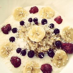 @beautifulbodyy - #befitstayfitlivewell #fitspo #fitness #stay #fit #goodfood #healthy #lifestyle #fruits #fruit #banana #breakfast Its my todays breakfast, oatmeal topped in natural yogurt with banana, berries and some coconut. So healthy, so yumme!