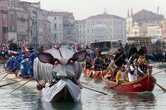 Festa Veneziana sull'acqua - seconda parte, domenica 24 gennaio 2016 - Corteo acqueo del Coordinamento Associazioni Remiere di Voga alla Veneta, festa lungo il Rio di Cannaregio a cura di AEPE  #carnevale #carnevalevenezia #venicecarnival #carnival