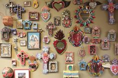 Day of the Dead Display Mexican Colors, Mexican Style, Religious Icons, Religious Art, Mexican Restaurant Decor, Mexico Day Of The Dead, Tin Art, Maximalism, Wall Crosses