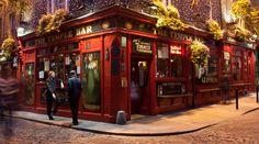 Met een Guinness voor je neus in de Temple Bar District voel je je opeens stukken beter 😉 🍻  Wie moeten er met jou mee naar DE bier stad Dublin? ✈ Citytrip voor een prikkie, neem jij je vrienden mee of verras je je vriendin met deze super getaway?  ➡