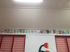 Flashcards in de klas gehangen! :D Met een grote stok aanwijzen en de flashcards zingen met een mooi ritme.