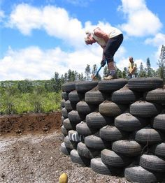 Earthship Homes - Eco-Friendly Use of Tires and Dirt. Maybe you could use it as a stage for entertainment in your backyard Natural Building, Green Building, Tire Craft, Earthship Home, Tyres Recycle, Used Tires, Home Tech, Tadelakt, Earth Homes