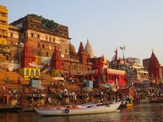 Explore Heritage Kashi with a local from Varanasi | Padhaaro