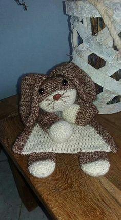Lappenpop konijn Crochet Lovey, Crochet Bedspread, Afghan Crochet Patterns, Crochet Gifts, Amigurumi Patterns, Crochet Toys, Baby Security Blanket, Lovey Blanket, Baby Stuffed Animals