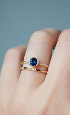 A real sapphire ring that looks like this (Pandora size 50) but not the pandora one