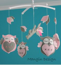 Gorgeous owl cot/crib mobile pink and grey owl musical mobile felt owl pin grey Brahms lullaby, felt owl mobile decorations, nursery decor