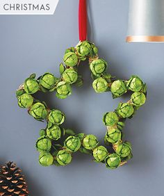 Make your own DIY brussels sprout wreath www.malsarkest.co.uk