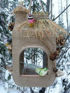 DIY bird feeders are beautiful garden decorations and inviting places for provid. , DIY bird feeders are beautiful garden decorations and inviting places for providing food to birds in winter and early spring Source by xbloodyprincess. Recycled House, Recycled Crafts, Diy And Crafts, Bird Crafts, Recycled Materials, Homemade Bird Feeders, Diy Bird Feeder, Bird House Feeder, Homemade Garden Decorations