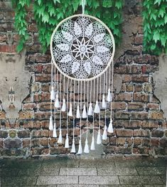 Large Dreamcatcher Wall Tapestries White Dream Catcher Beach Wedding Doily Dreamcatcher Woodland Nur Source by Grand Dream Catcher, Dream Catcher Wedding, Large Dream Catcher, Doily Dream Catchers, Doily Wedding, Wedding Wall, Wedding White, Crochet Motifs, Crochet Doilies