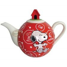 6.5 Inch Peanuts Snoopy Teapot Topped with Doghouse - Red and White