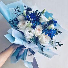 Boquette Flowers, Blue Flowers Bouquet, Floral Bouquets, Wedding Bouquets, Beautiful Flowers, Flower Box Gift, Flower Boxes, Flower Designs, Floral Arrangements