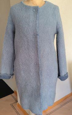 Handmade coat blanketcoat, made of a vintage bleu blanket, size M door MORETHANVINTAGENL op Etsy