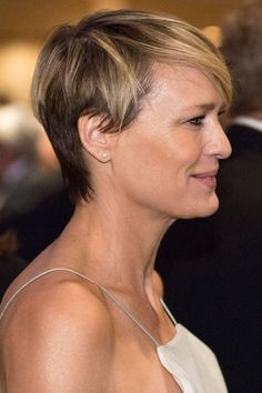 coupe courte Robin Wright