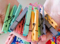 11 Mind-Blowing Ways to Use Kool-Aid ~ Kid friendly idea! Use Kool-Aid to dye clothespins! Easy Crafts, Crafts For Kids, Arts And Crafts, Adult Crafts, Dye Clothespins, Craft Projects, Projects To Try, Craft Ideas, Fun Ideas