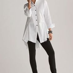 Fashion Over Fifty Ultimate Fashion Essential The White Tunic Shirt (rough luxe) Fashion Over Fifty, Over 50 Womens Fashion, 50 Fashion, Fashion Outfits, Fashion Clothes, Spring Fashion, Older Women Fashion, Women's Clothes, Fashion Brands