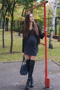 Pregnancy, gray dress, jacket,
