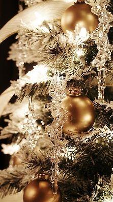 beautiful Christmas trees, icicles on Christmas tree, decorating Christmas trees, Christmas tree decorating