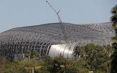 Protestan aficionados de Rayados del nuevo estadio del Monterrey - http://notimundo.com.mx/protestan-aficionados-de-rayados-del-nuevo-estadio-del-monterrey/