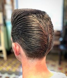Figaro's Barbershop Lisboa ( – - Walk Ins & Appointments Grease Hairstyles, Classic Hairstyles, Side Hairstyles, Haircut Names For Men, Cool Mens Haircuts, Men's Haircuts, Fade Haircut With Beard, Beard Haircut, Textured Haircut