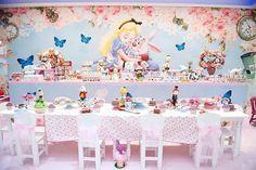 #Repost @umbocadinhodeideias ・・・ Decor pea Festa: Alice no País Das Maravilhas, com decor: ...