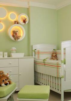 Quarto de bebê safari em tons verde, laranja e branco