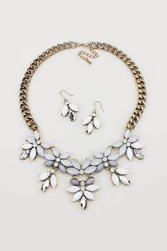 Marquise Petal Necklace//