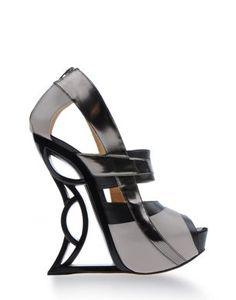 VS2R Wedges $855.00