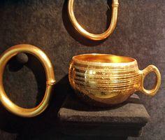Caldas de Reis-Pontevedra -España Es el m�s importante de los tesoros prehist�ricos exhumados en Galicia y Norte de Portugal.